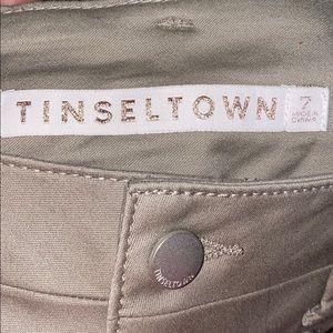 Tinseltown Khaki Skinny Pants🎄NWOT🎁